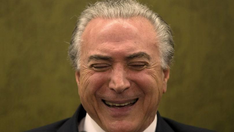 Resultado de imagem para presidente temer sorrindo
