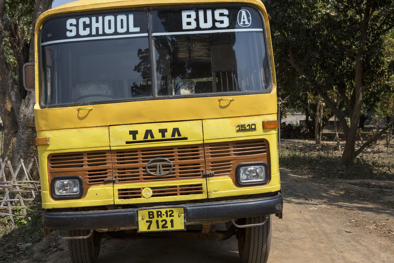 yellow school bus india grupo independente