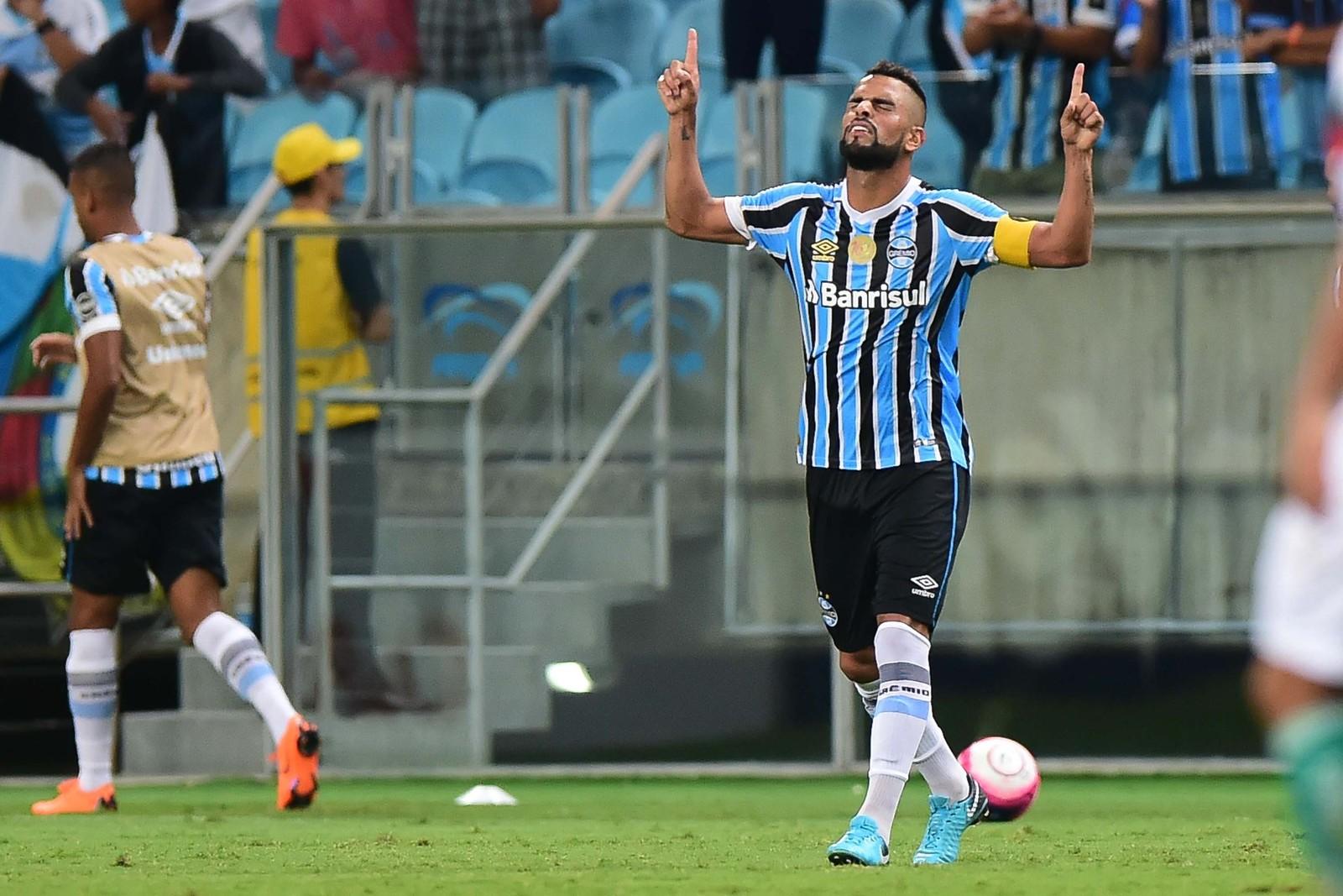 Grêmio espera por Maicon para definir time que encara o Santos ... 8c481d20279ad