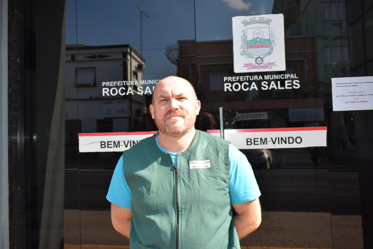 Biólogo da Prefeitura de Roca Sales Cristian André Prade (Foto: Caroline Silva)