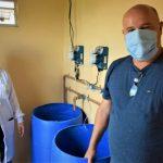 Gerente da Corsan, Alexsander Pacico e parte técnica para tratamento da água (Foto: Gabriela Hautrive)