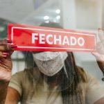 Podem funcionar no sábado e domingo com atendimento presencial setores de alimentação, saúde e combustíveis (Foto: Fecomércio-RS / Divulgação)