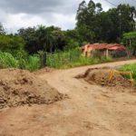 Prefeitura de Estrela utiliza cargas de terra para restringir tráfego no desvio da Tangará Foods e na Linha Geraldo (Foto: Divulgação)