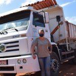 Antes de ser motorista de caminhão, Simone já foi secretária e frentista de posto de gasolina (Foto: Caroline Silva)