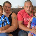 Santos e a família, esposa Graziela e filhos Davi e Milena (Foto: Gabriela Hautrive)