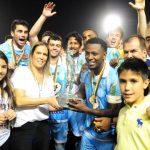 Na foto Laércio comemora a conquista da Copa Fernandão (Foto: Marcelo Campos/FGF)