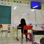 Estagiários atuam no monitoramento e auxílio de alunos dentro das escolas (Foto: Gabriela Hautrive)