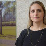 Secretária de Administração de Lajeado, Elisangela Hoss de Souza (Foto: Caroline Silva / Arquivo Rádio Independente)