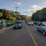 Após a carreata, manifestantes permaneceram no Parque dos Dick (Foto: Ricardo Sander)