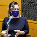 Artista responsável pela obra de arte, Flávia Pozzobon (Foto: Tiago Silva / Arquivo Rádio Independente)