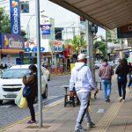Ruas de Lajeado estavam movimentadas na manhã desta sexta-feira (11) (Foto: Gabriela Hautrive)