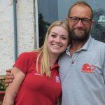 Gabriela Henicka ao lado do pai, Valmir Henicka (Foto: Gabriela Hautrive)