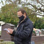 Responsável pelo Cemitério Municipal de Lajeado, André Martinelli (Foto: Caroline Silva)