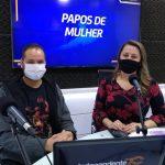 Professor Mateus Dalmáz e a apresentadora Rita de Cássia (Foto: Tiago Silva)