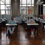 Turma iniciou as aulas nesta segunda-feira (13) com 16 alunos de duas escolas de bairros carentes de Lajeado (Foto: Caroline Silva)