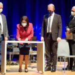 Univates e representantes do Gustavo Adolfo assinaram contrato que firma a parceria (Foto: Gabriela Hautrive)