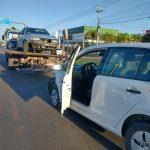 Acidente envolveu um Volkswagen Up e uma Parati (Foto: Joel Alves)