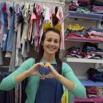 Gerente de uma loja de roupas infantis, Michele Maria Schmitz (Foto: Caroline Silva)