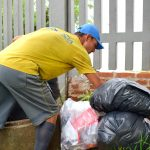 Trabalho é prestado pela empresa Compacta Serviços de Limpeza Urbana (Foto: Gabriela Hautrive)